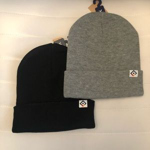 AE American Eagle Outfitters beanies bundle NwT